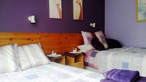 purple-room-2